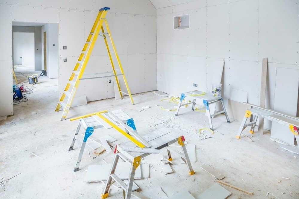 fitting plasterboard in new construction
